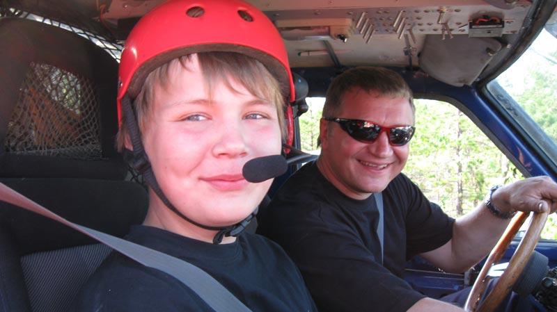 Владимир Терентьев успешно ехал в классе «Modified» с сыном Владимиром - они заняли 2 место.